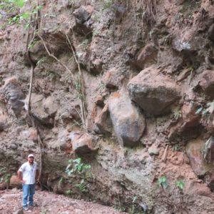 Blokové uloženiny úlomkového prúdu (laharu) stratovulkánu San Salvador