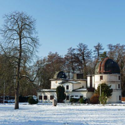 Historická budova hvezdárne v Hurbanove. V súčasnosti je v správe Slovenskej ústrednej hvezdárne. Foto: J. Madarás, 3. 12. 2019.