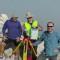 Členovia meračskej kampane pri meraní VGG na vrchole sopky Teide (3718 mnm).