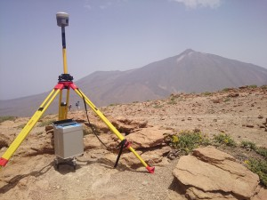 The position of our observation points was geodetically measured using GNSS, VGGs were observed by a relative gravimeter in a tower mode.