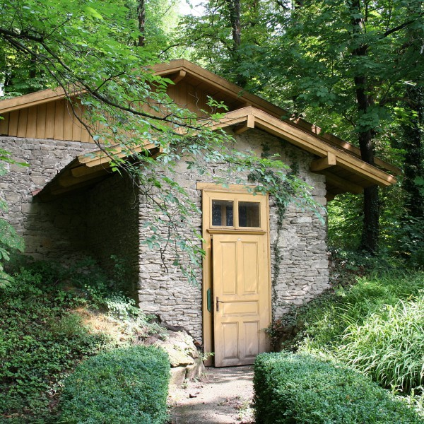 Variačný pavilón – je funkčný od roku 1900. /  Registration Hut – it is in operation since 1900.