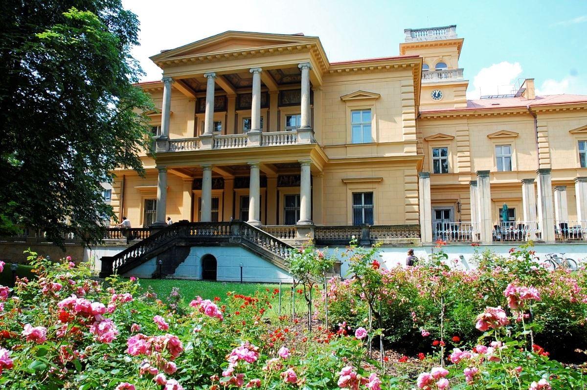 Villa Lana v  Prahe - miesto konania 19. Česko-slovensko-poľskej paleontologickej  konferencie.